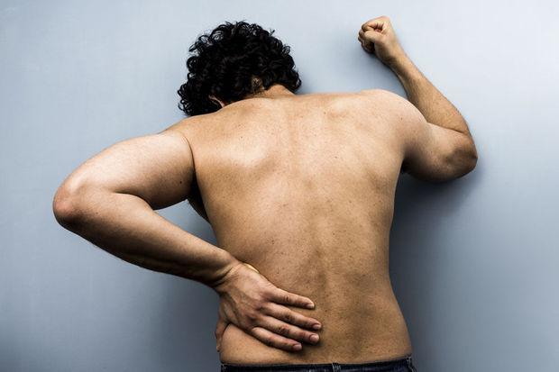 Osteopathie vs Klassieke geneeskunde: 'Sommige operaties of pillen zijn perfect te vermijden' 18-2-15- knack